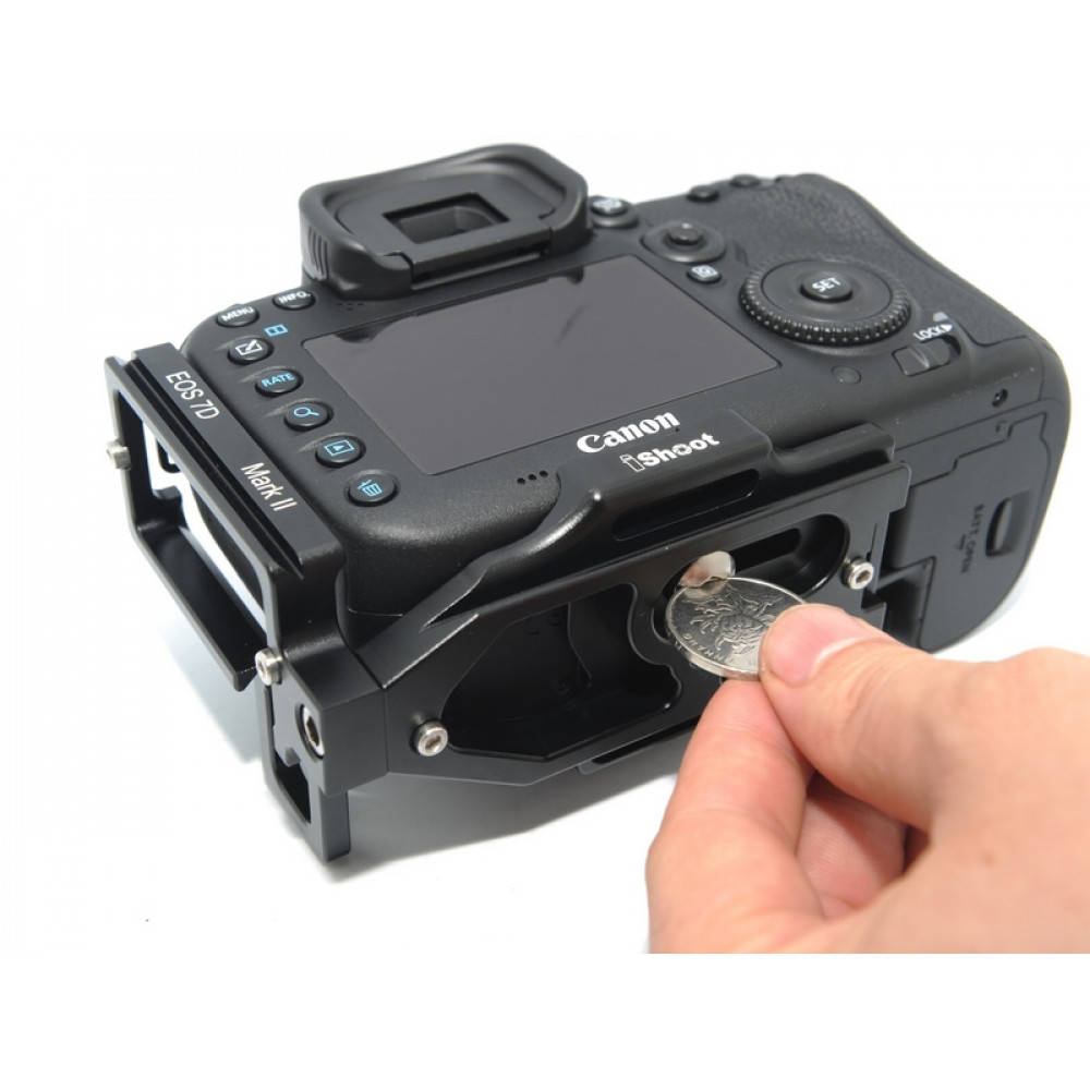 F70DL Quick Release L plate Bracket for Canon EOS 70D